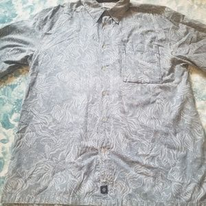 Columbia Blue Floral Short Sleeve Button up Size L